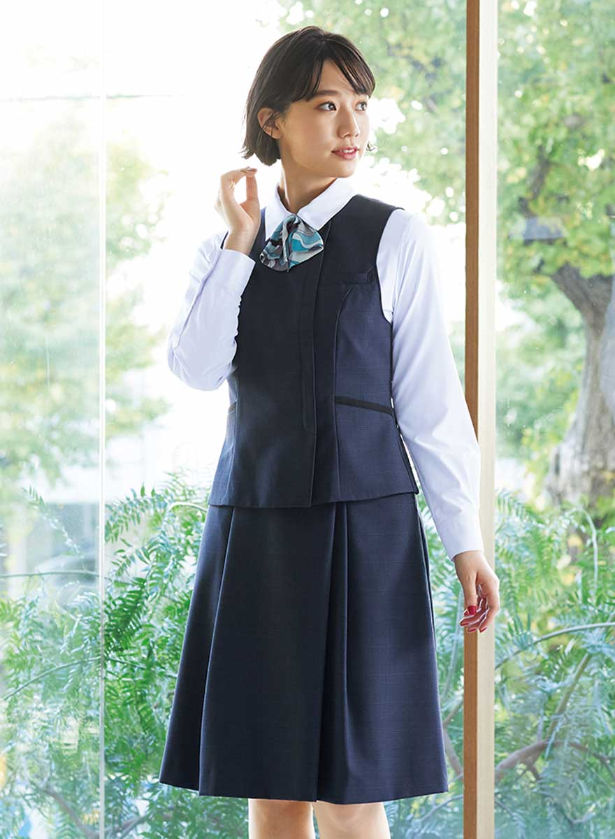エイジレスに着られるクラシカルモダンな上品ベスト+スカートセット - FV36380/FS45950商品画像4