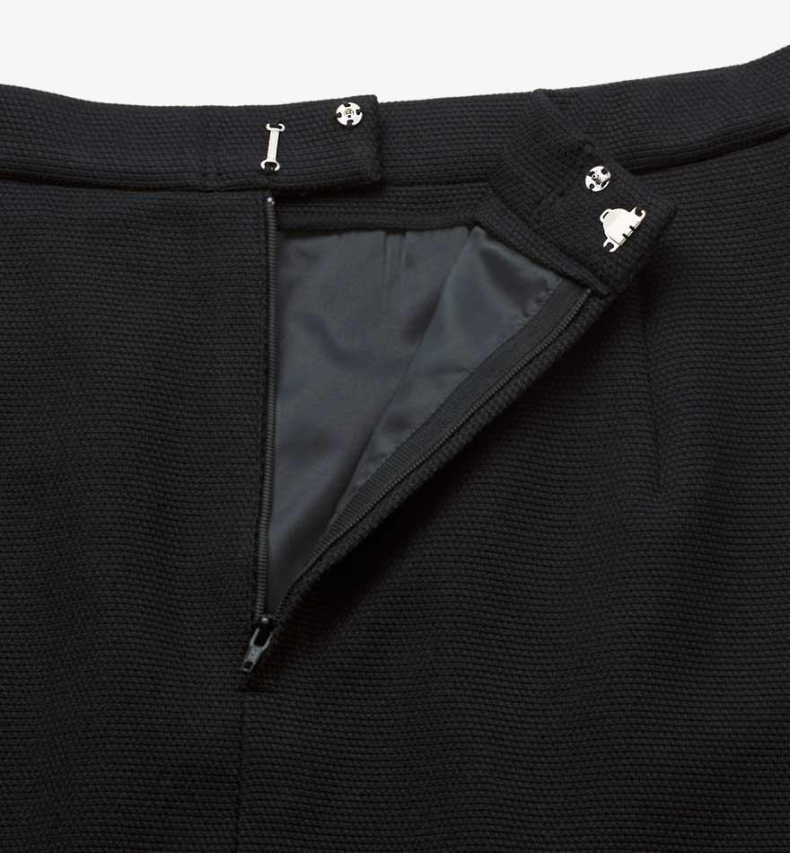 首まわりを美しく見せるスタンドカラーとVゾーンにこだわったジャケット+スカートセット - 9175/9851商品画像6
